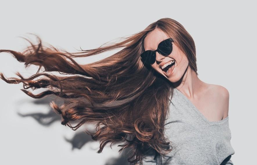 Συμβουλές και tips για λιγοτερα λιπαρά μαλλιά!